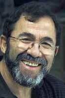 Nacido en Otura (Granada) en 1949, Miguel Ruiz Jiménez a los 7 años, ya tornea algunas formas y se va integrando en el taller de su padre. - miguel_ruiz_jimenez